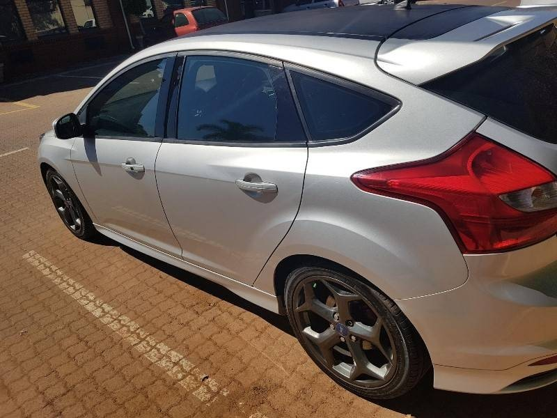 used ford focus 2 0 gtdi st3 5dr for sale in gauteng id 3339942. Black Bedroom Furniture Sets. Home Design Ideas