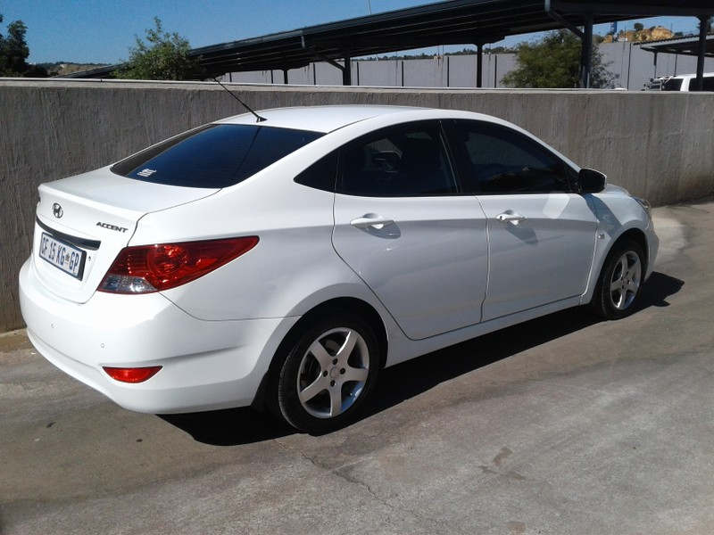 used hyundai accent 1 6 gls for sale in gauteng id 3343456. Black Bedroom Furniture Sets. Home Design Ideas