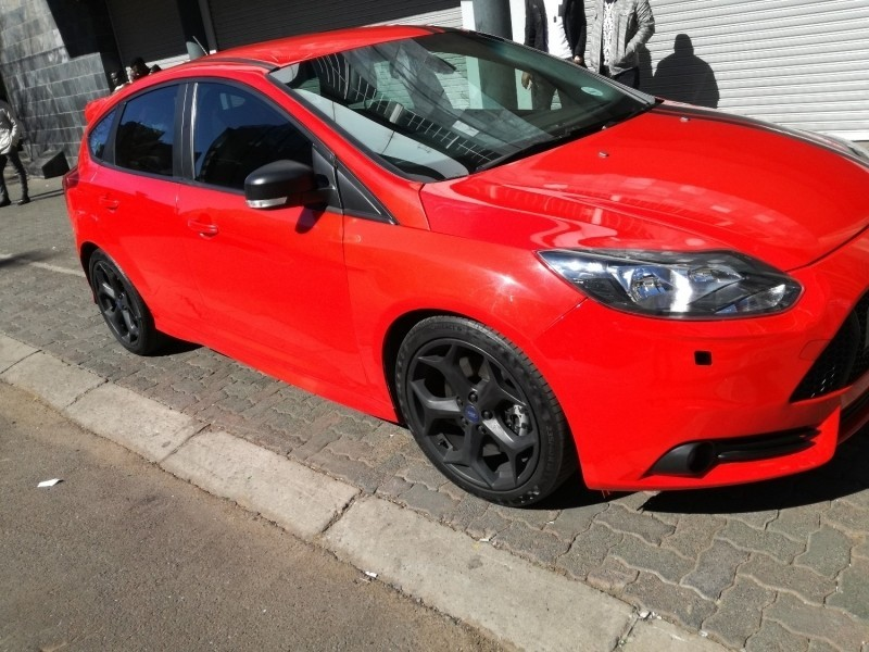 used ford fiesta st 1 6 ecoboost gdti for sale in gauteng id 3394514. Black Bedroom Furniture Sets. Home Design Ideas