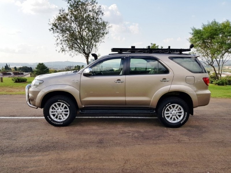 Used Toyota Fortuner 4 0 V6 A T 4x4 For Sale In Gauteng