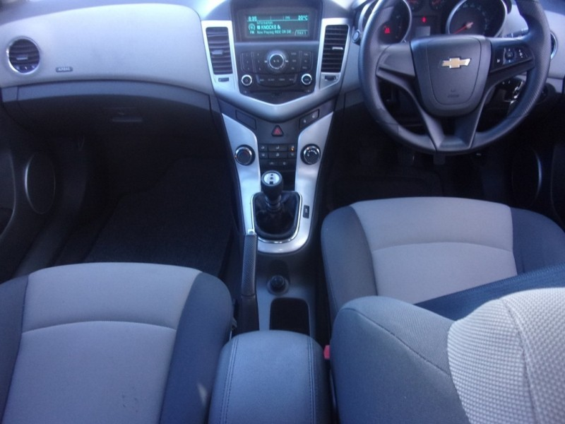 used chevrolet cruze 1 8 ls for sale in eastern cape. Black Bedroom Furniture Sets. Home Design Ideas