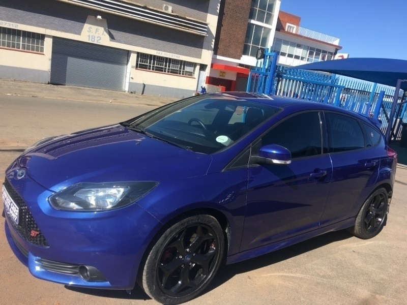 used ford focus st unleash the beast for sale in gauteng id 3479454. Black Bedroom Furniture Sets. Home Design Ideas