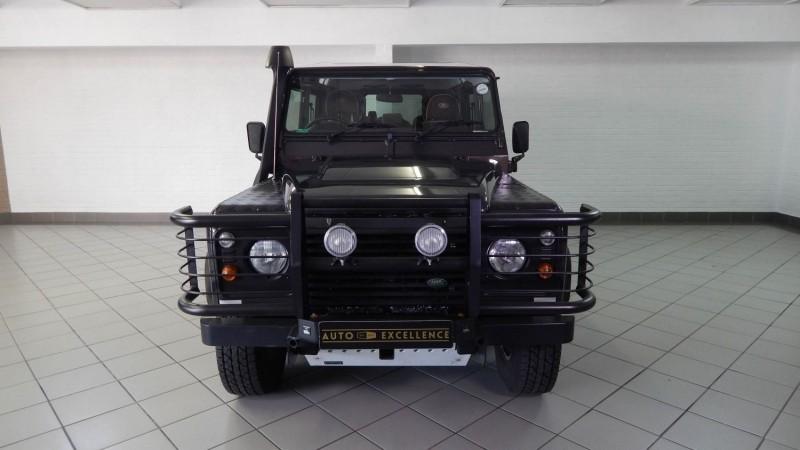 https://image.cars.co.za/image/upload/t_large/v11/carsimages/3496066_2.jpg