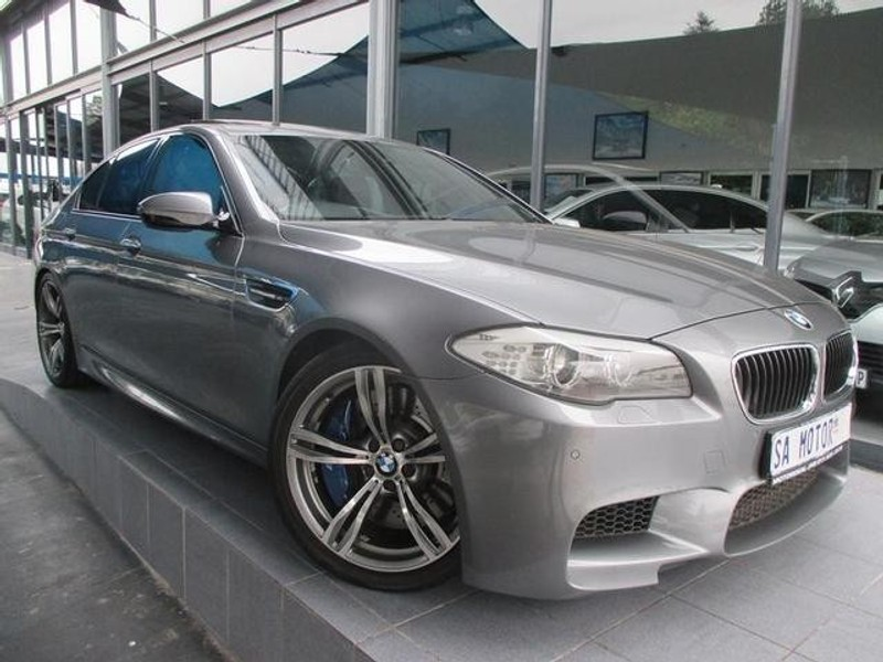 used bmw m5 f10 for sale in gauteng id 3549430. Black Bedroom Furniture Sets. Home Design Ideas