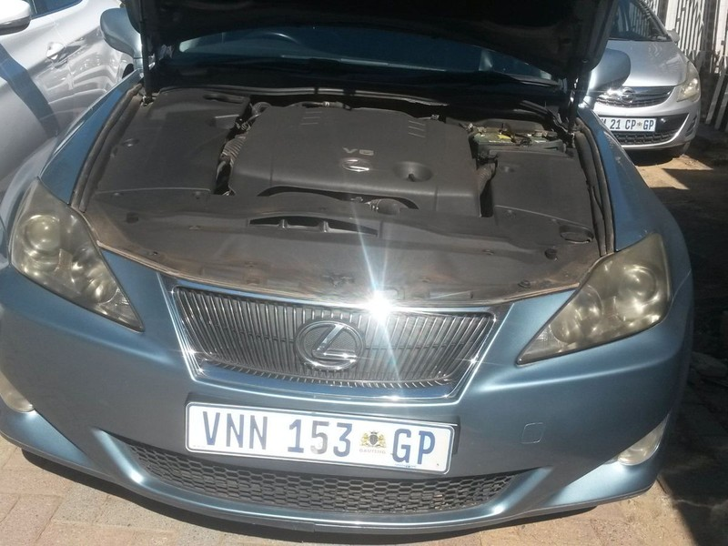 used lexus is 250 convert for sale in gauteng id 3639834. Black Bedroom Furniture Sets. Home Design Ideas