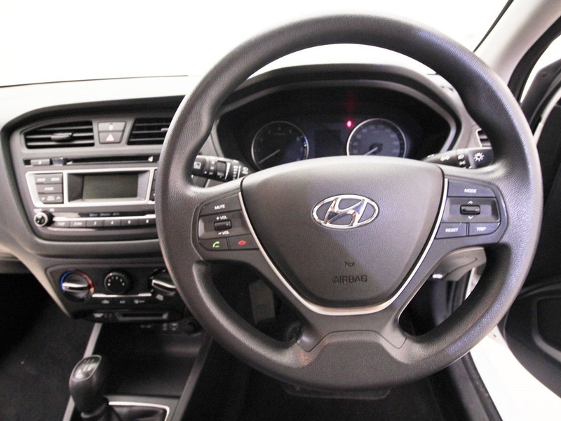 Used hyundai i20 1 2 motion for sale in gauteng for Hyundai motor finance payoff phone number