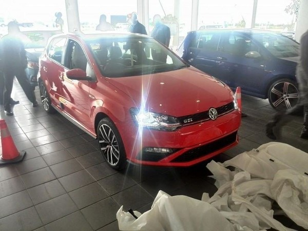 used volkswagen polo save r30 000 for sale in gauteng id 1344877. Black Bedroom Furniture Sets. Home Design Ideas