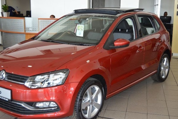 used volkswagen polo save r15 000 for sale in gauteng id 1420365. Black Bedroom Furniture Sets. Home Design Ideas