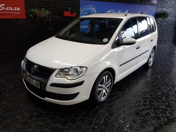 used volkswagen touran 5 seater for sale in gauteng id 2403816. Black Bedroom Furniture Sets. Home Design Ideas