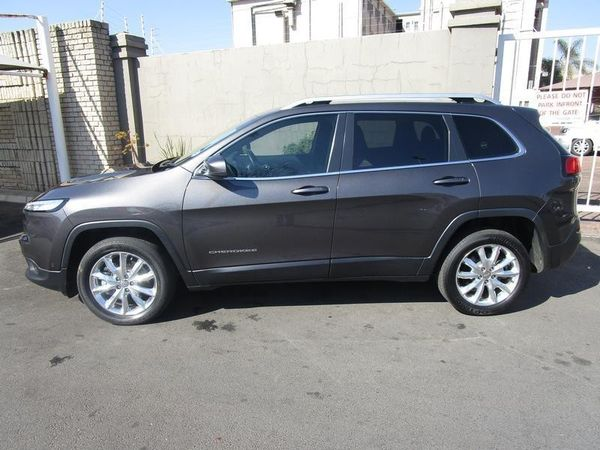 used jeep cherokee 3 2 limited 4x4 for sale in gauteng id 2424710. Black Bedroom Furniture Sets. Home Design Ideas