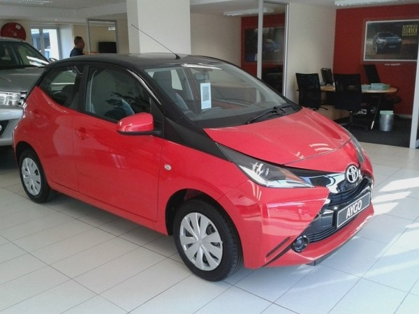 used toyota aygo aygo x play black for sale in gauteng. Black Bedroom Furniture Sets. Home Design Ideas