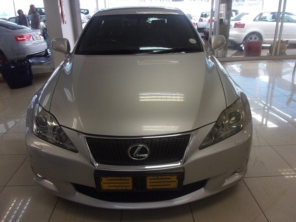 used lexus is 250 f sport for sale in gauteng id 2849102. Black Bedroom Furniture Sets. Home Design Ideas