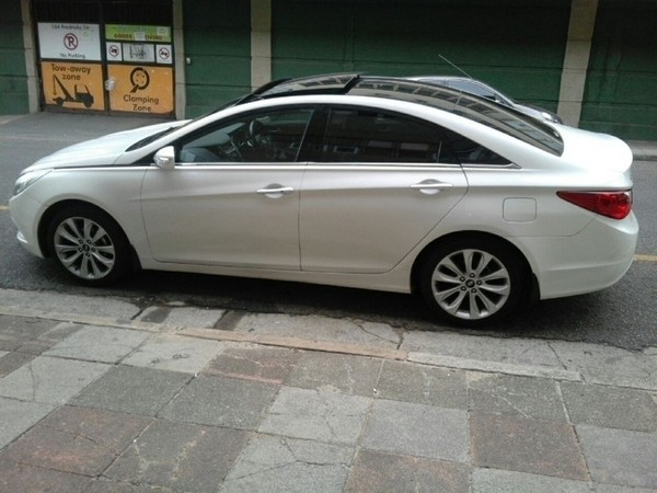 Used hyundai sonata 2 4 gls executive a t for sale in for Hyundai motor finance payoff phone number