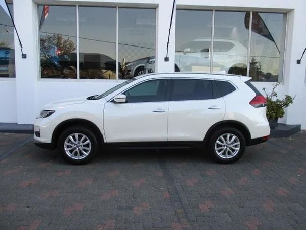 used nissan x trail 2 0 visia for sale in gauteng id 3558172. Black Bedroom Furniture Sets. Home Design Ideas