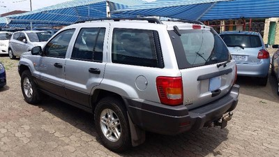 used jeep grand cherokee laredo 4 7 v8 for sale in gauteng id 1680069. Black Bedroom Furniture Sets. Home Design Ideas