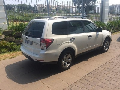 used subaru forester 2 5 x manual for sale in gauteng. Black Bedroom Furniture Sets. Home Design Ideas