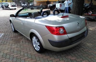 used renault megane convertible for sale in gauteng id 1897756. Black Bedroom Furniture Sets. Home Design Ideas