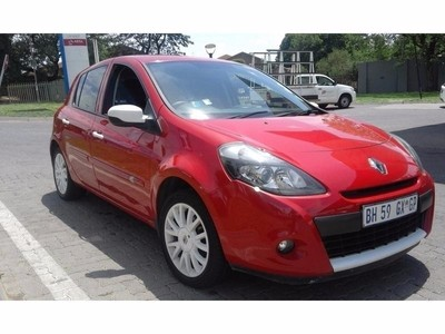 used renault clio iii 1 6 dynamique 5dr for sale in gauteng id 2364744. Black Bedroom Furniture Sets. Home Design Ideas