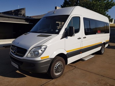 Used mercedes benz sprinter 515 cdi 23 seater low kilos for Mercedes benz sprinter 515 cdi specifications